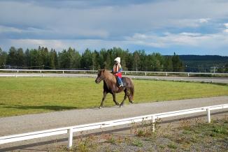Klara som Smurfan på Gneistis maskeradtölt 2012.