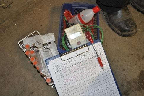 """litet """"kit"""" för kontroll av temperatur, rektal- samt yttemperatur"""